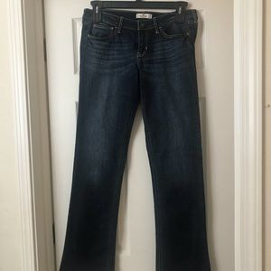 Women's hollister jeans size and 11